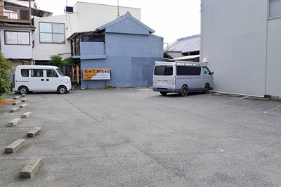 本店 駐車場