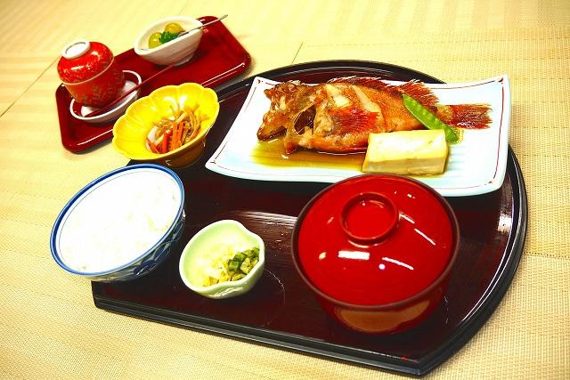 めばる煮定食  1,800円(税別)