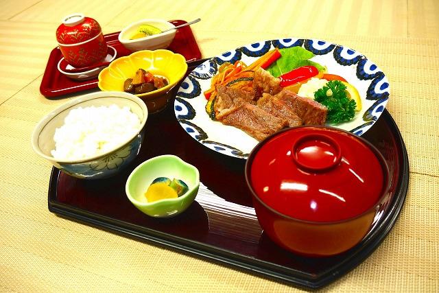 和牛ステーキ定食 2,500円(税別)